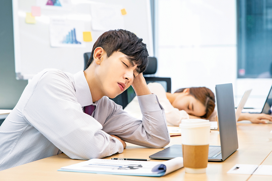 Sering Mengantuk? Kenali Apa Penyebabnya!
